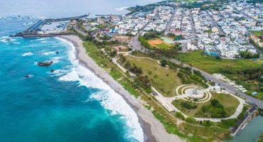 成功海濱公園位於成功新港漁港的東北方